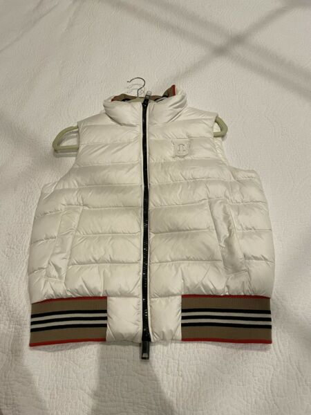 Burberry White Goose Down Puffer Vest Sz Small $289.00