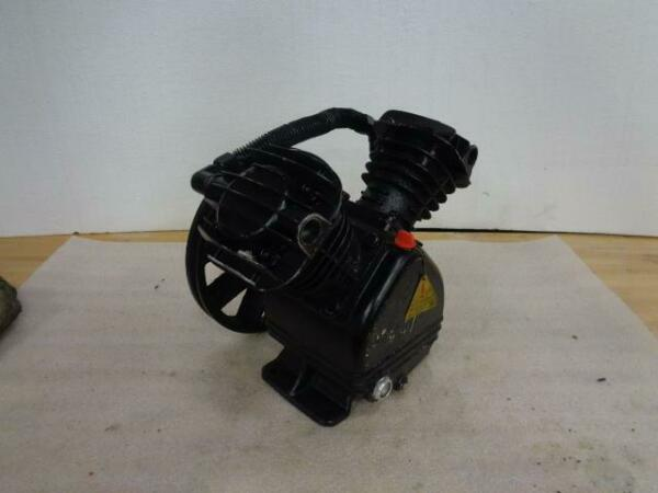 NEW DAMAGED UNBRANDED 2 STAGE AIR COMPRESSOR PUMP BSRG5