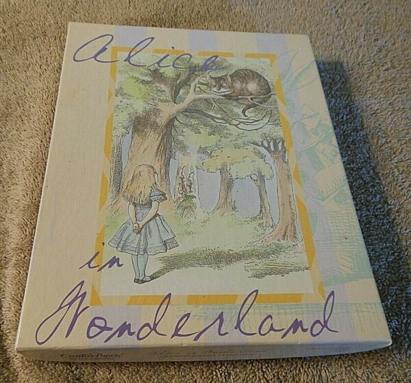 Gibson Creative Papers #x27;Alice in Wonderland#x27; Stationary ... in box $10.00