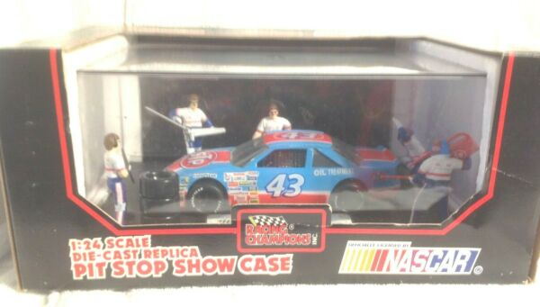 1992 Racing Champions NASCAR 1 24 Richard Petty #43 Die Cast Pit Stop