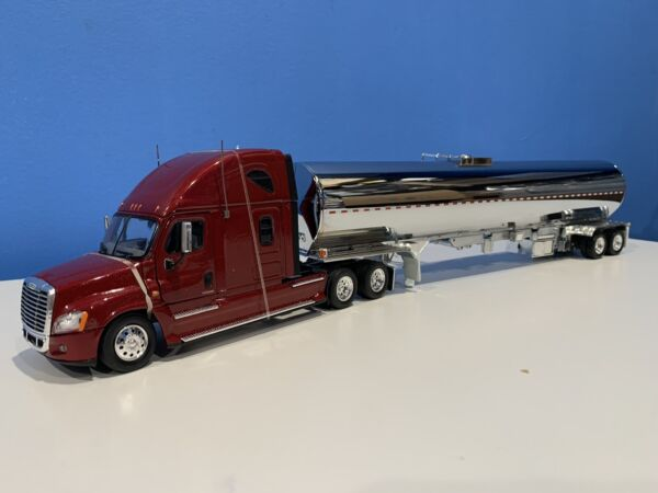 Tonkin Freightliner Cascadia truck and tanker trailer 1 53 scale $110.00
