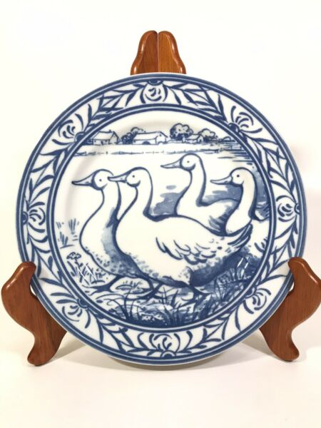 Williams Sonoma BRITTANY FARM ANIMAL 7 3 4quot; BLUE WHITE SALAD PLATE DUCKS GEESE