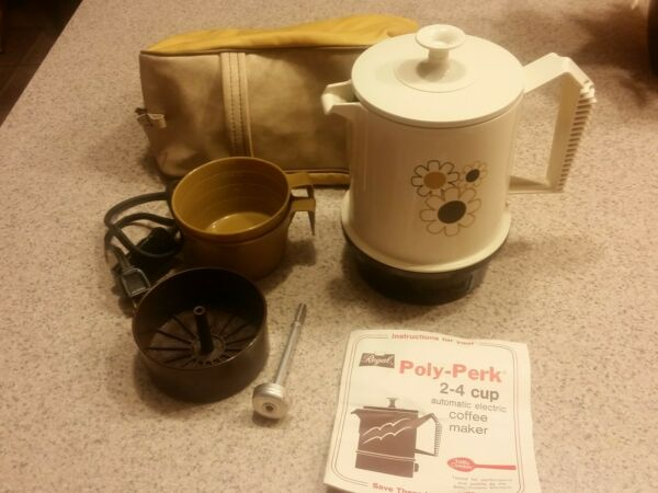 Regal Poly Perk Electric Coffee Pot Percolator 2 4 Cup 7503 Off white Daisies