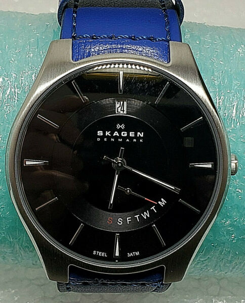 Watch Skagen Silver Tone Blue Leather Band Black Day Date Dial Mens 989XLSLB