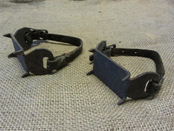 Vintage Cast Iron Ice Shoes Cleats gt; Old Antique Ice Fishing 8297