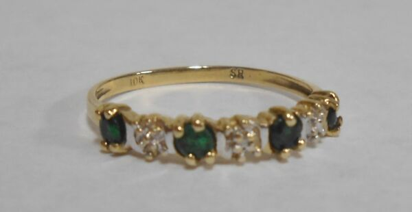10k Yellow Gold Emerald & Diamond Ladie's Band Sz 6.25 Ring 1g SR .35tcw