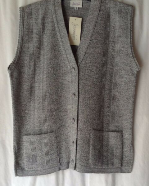 NEW ELDERLY LADIES 100% ACRYLIC KNITTED WAISTCOAT  WITH 2 POCKETS *11 COLOURS*