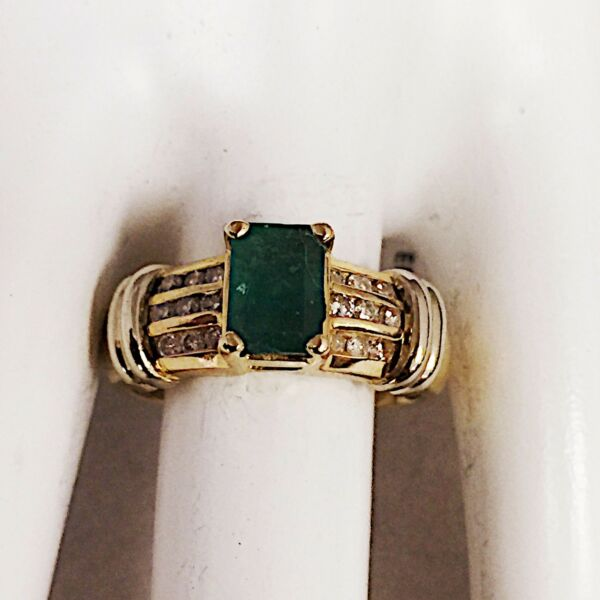ESTATE 14K KARAT YELLOW GOLD EMERALD & DIAMOND RING  1.38 CARATS  5.4 GRAMS