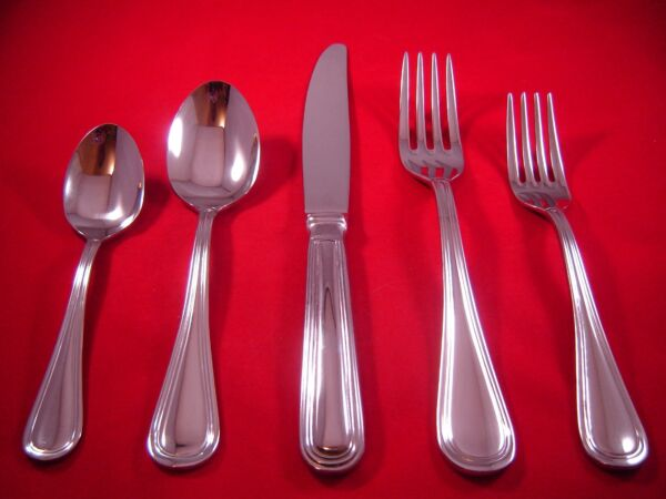 Oneida Omnia Stainless 18 10 Flatware Your Choice NEW $5.25