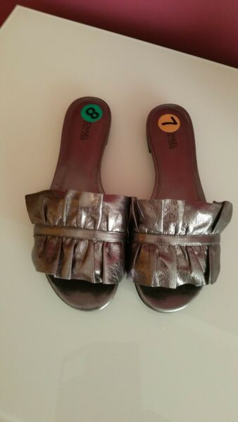 Women#x27;s Michael Kors Bella Leather Slide Metalic Sandals Size 7 and Size 8
