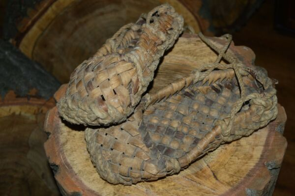 MUSEUM PIECE 19th! Handmade Peasant Bast Birch Bark Plaited Shoes Lapti SOUVENIR
