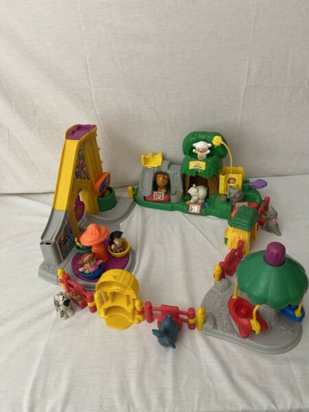 Fisher Price Little People Sound Zoo Farm Lot - Farm Animals  Fence