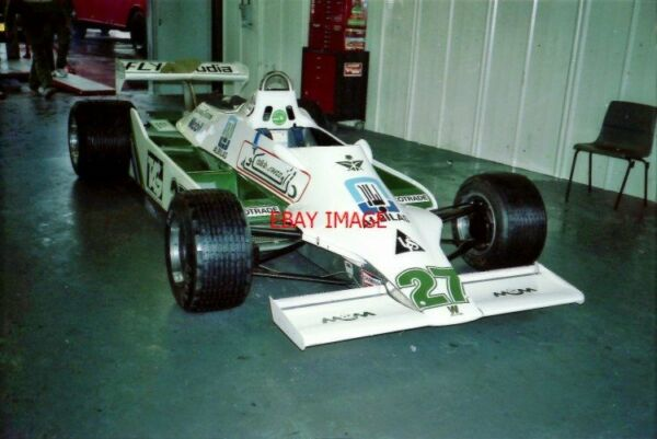 PHOTO  HSCC SILVERSTONE 24.9.88  JOHN SAPHIR'S F1 WILLIAMS FW07-COSWORTH SITS IN