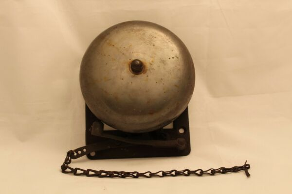 Antique VTG Brass and Cast Iron Wall Mount Manual Boxing Ring Bell