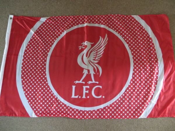 LIVERPOOL BULLSEYE FIVE FOOT BY THREE FOOT RED WHITE FLAG