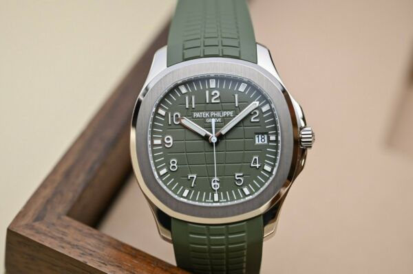Patek Philippe Aquanaut 18kt White Gold Khaki Green 42mm Watch 5168G-010 Jumbo