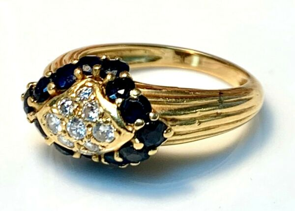 Magnificent Ring Gold 18 Carat -saphirs and Diamonds 0.30 Carat