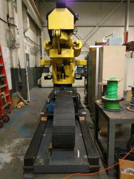 FANUC - M-900iA700 Robot W R-30ib controller and 15 ft Track