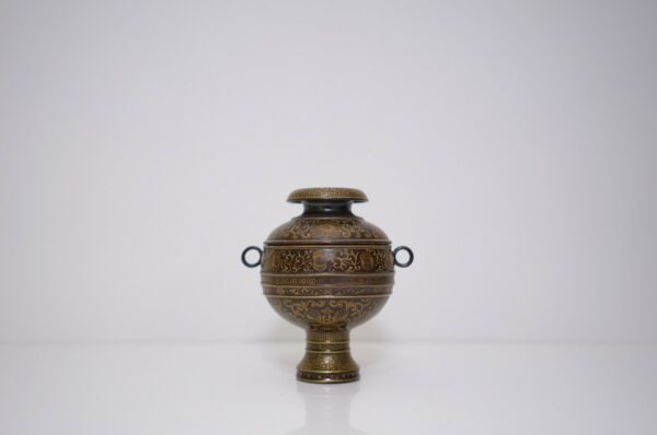 A Ceramic Bronze-Imitation Gold Decorated Bowl with Cover 'Dou'