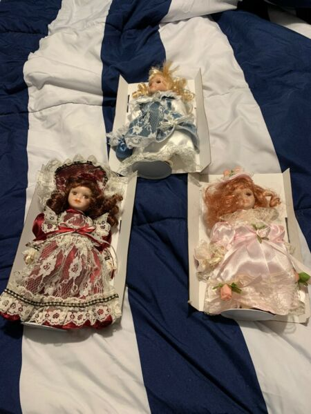Lot Set of 3 Vintage Century Collection 11quot; Porcelain Dolls With Display Stands
