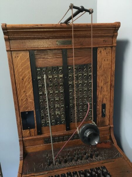 VERY RARE  ANTIQUE Monarch Mfg. Co Chicago IL Wooden 80-lines Switchboard # 175