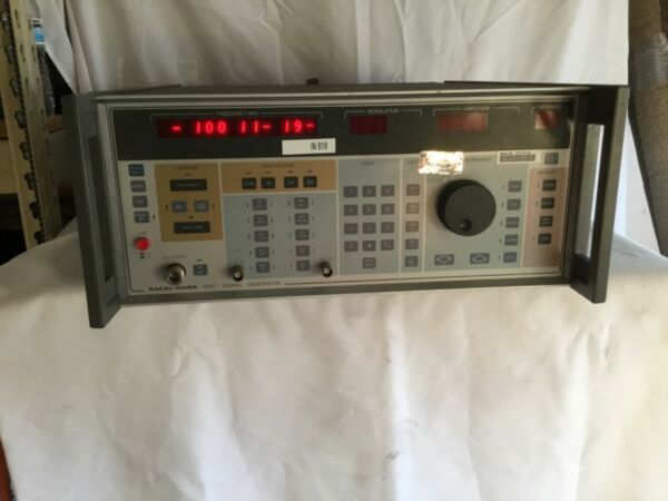 Racal Dana Instruments 9087 Signal Generator great working condition used