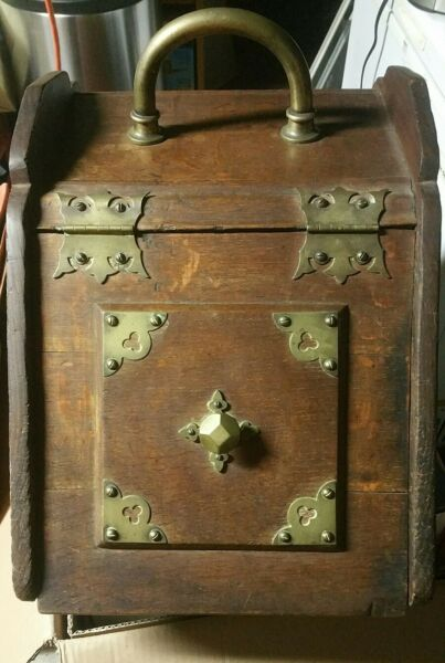 Antique English Oak Victorian Fireplace Hearth Coal Hod Scuttle