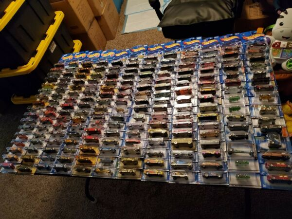 Hot Wheels Mixed lot of 30 Cars will vary in age. no duplicates. FREE SHIPPING $39.99