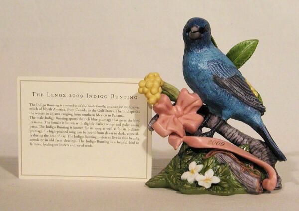 New Lenox 2009 Limited Edition Hand Painted Porcelain Indigo Bunting Figurine