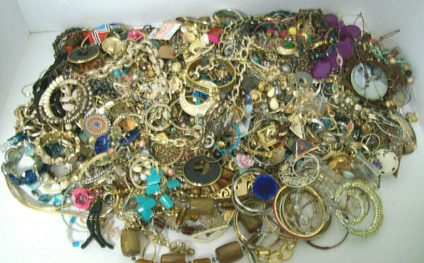 HUGE 18 LBS JEWELRY LOT VINTAGE TO NEW WEARABLE AND CRAFT LARGE LOT