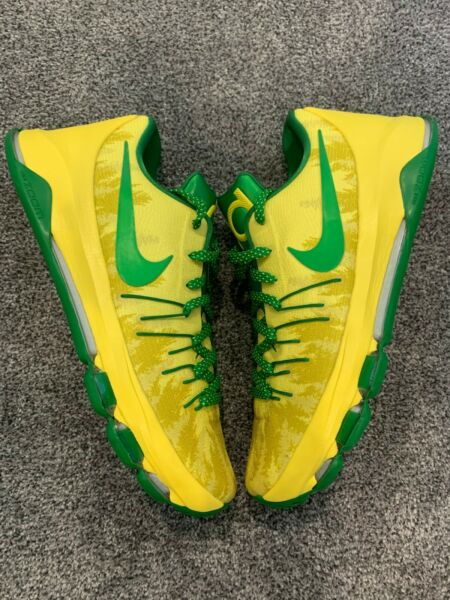DS KD 8 OREGON DUCKS PE SAMPLE SIZE 13.5