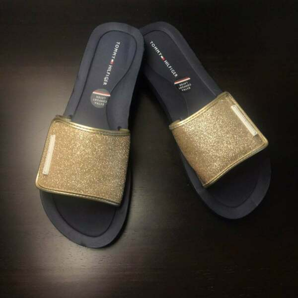 NEW Tommy Gold flip Flop Sandals $22.00