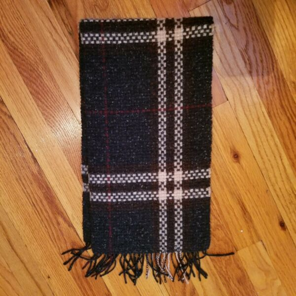 Burberry Green Plaid Wool Cashmere scarf $125.00