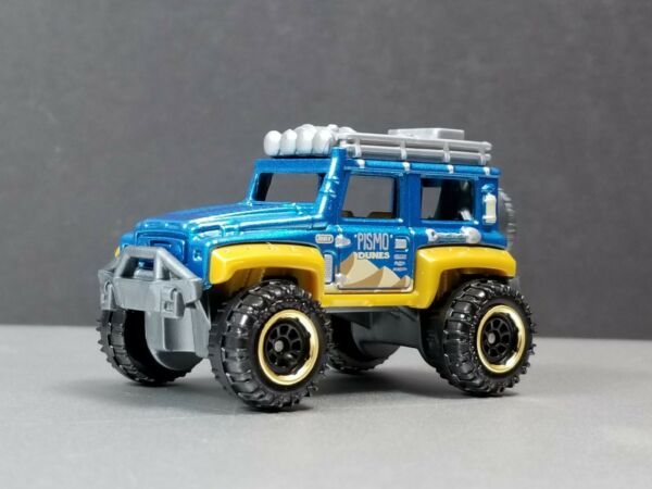 2010 2020 dune dog Jeep 4x4 Collectible 1:64 Scale Diorama Diecast Model $8.98