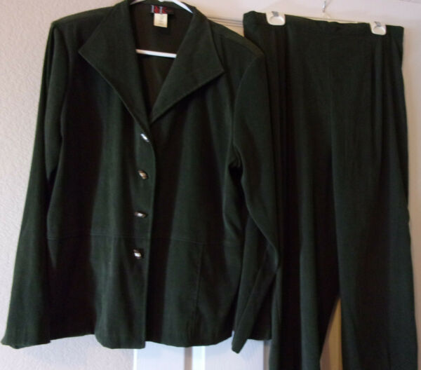 R amp; K Green Suede like Pant Suit Size 16