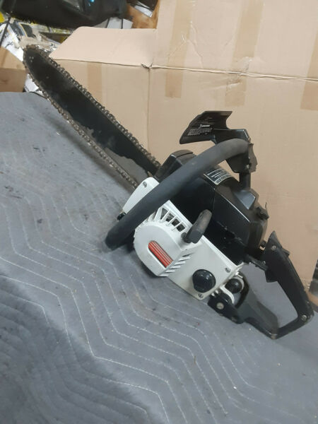 Craftsman gas chainsaw 18 in bar 358.model Collectors piece solid state ignition
