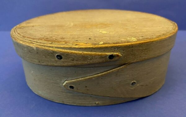 Antique Primitive Folk Art Fingered Small Wood Oval Pantry Box Original Paint