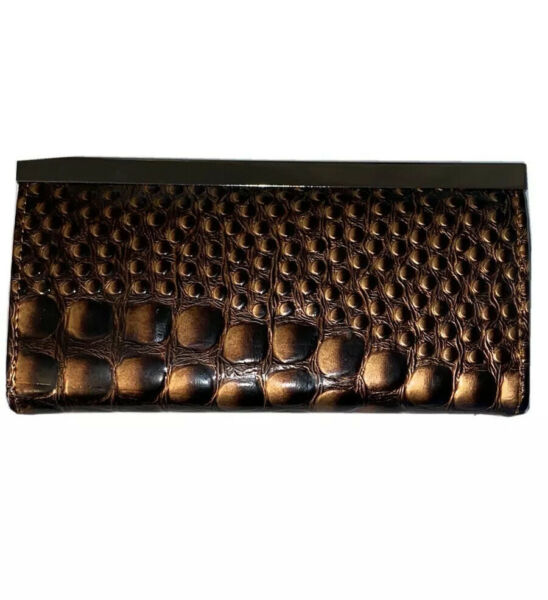 New Lizzie And Tommy Faux Crocodile Chocolate Brown Wallet Clutch $15.96