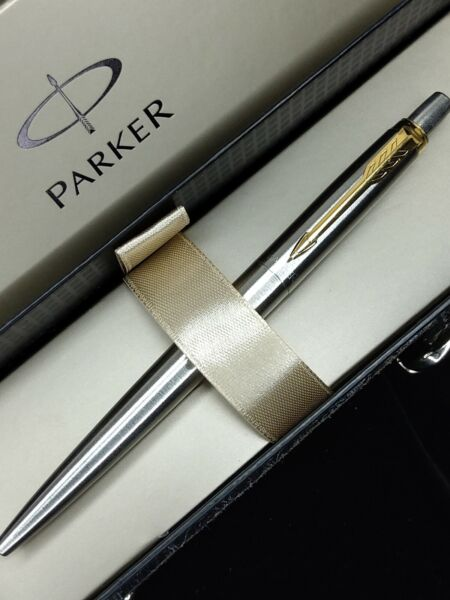 Parker Jotter Stainless Steel GT Ballpoint Pen BLUE Ink With Gift Box FRANCE