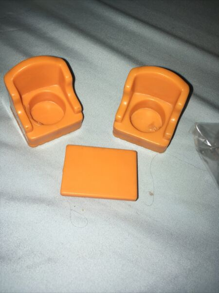 Fisher Price Little People Orange Living Room 2 Arm Chairs Coffee Table #952 Vtg