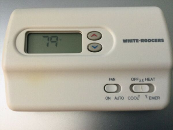 White Rodgers Non Programmable thermostat 1F89 211 2Heat 1Cool Stages $25.00
