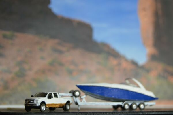 N scale 2012 Ford F350 w 5th wheel trailer and Yacht. Trucks vehicle cars $16.99