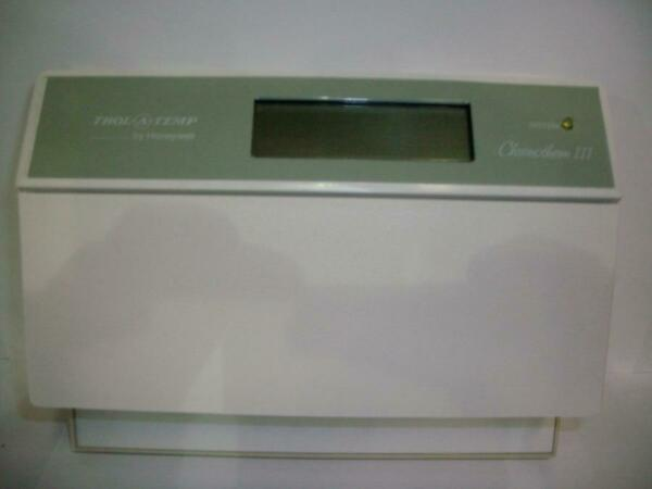 HONEYWELL T8611G1095 24V HEAT PUMP THERMOSTAT WITH SUBBASE 27453 $48.00
