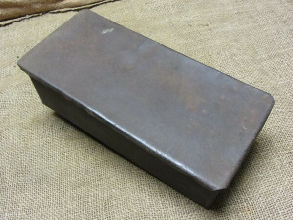 Vintage IHC Tractor Toolbox gt; Antique Old Iron Tool Tools Auto Box Farm 7158
