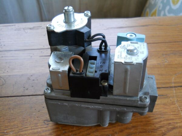 OEM White Rodgers 2 Stage Furnace Gas Valve  36E96-211 Natural Gas C340059P01