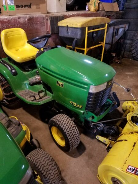 John Deere GT235 with Snow blower attatchment. 18hp Briggs & Stratton engine.