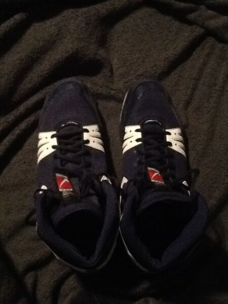 Men's Size 16 Nike Freek Wrestling Shoes (Navy/White)