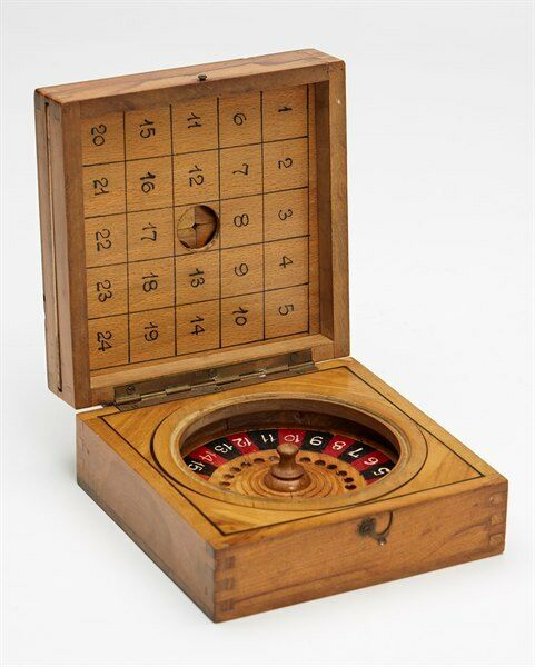 VINTAGE CARVED OLIVE WOOD GAMES BOX EARLY 20TH C.