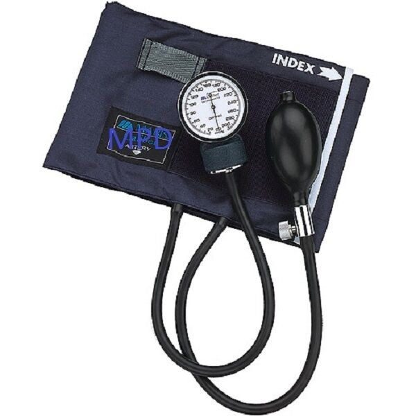 NEW ADULT MANUAL BLOOD PRESSURE BP CUFF KIT WCASE ANEROID SPHYGMOMANOMETER UNIT