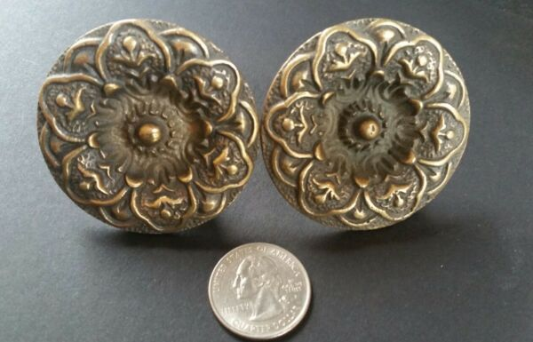 2 ANTIQUE SOLID BRASS SCREW ON LARGE ROUND KNOBS FLORAL DESIGN 2